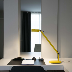 Faro - Indoor - Studio - Inviting TL LED - Modern table lamp